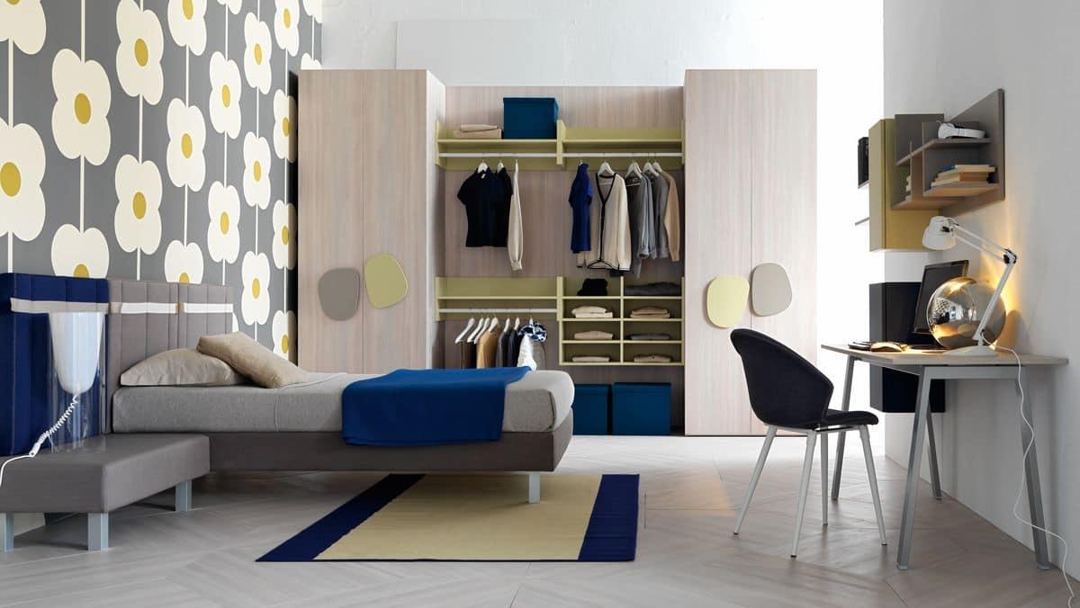 Kinderschlafzimmer mit großen Schrank und Schreibtisch | IDFdesign