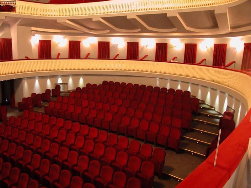Giada Napoli, Stuhl mit Klappsitz, für Theatersäle