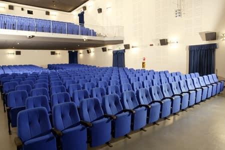 Simplex 1, Gepolsterte modulare Sessel für Kinos und Theatern