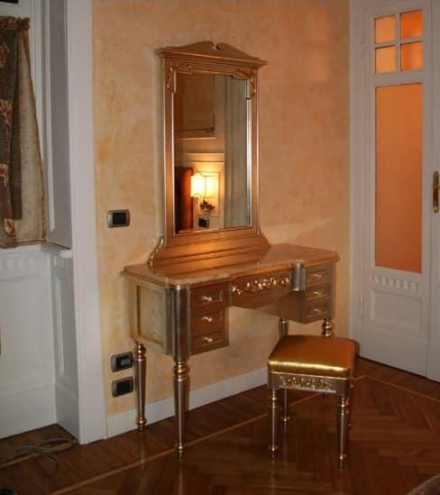 toilette mit spiegel aus holz und gold leder idfdesign. Black Bedroom Furniture Sets. Home Design Ideas