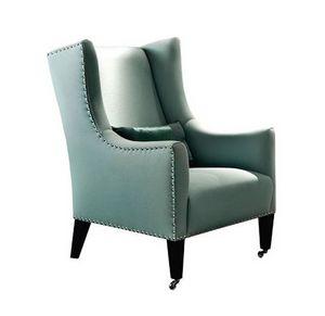 Amarillis, Klassischer Sessel mit Nägeln