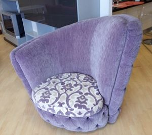 Buren Sessel, Sessel mit asymmetrischer Rückenlehne