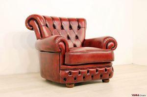 Doge, Luxuriöser Sessel mit Capitonné-Arbeit an Rüschen und Rücken