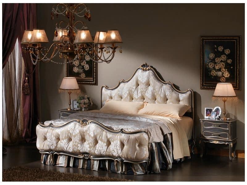 bett im klassischen stil getuftet fu teil und kopfteil idfdesign. Black Bedroom Furniture Sets. Home Design Ideas