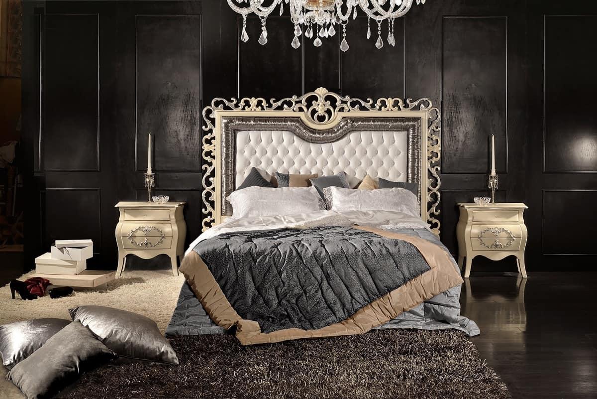 Bett mit Kopfteil geschnitzt und gesteppt, im klassischen Stil ...