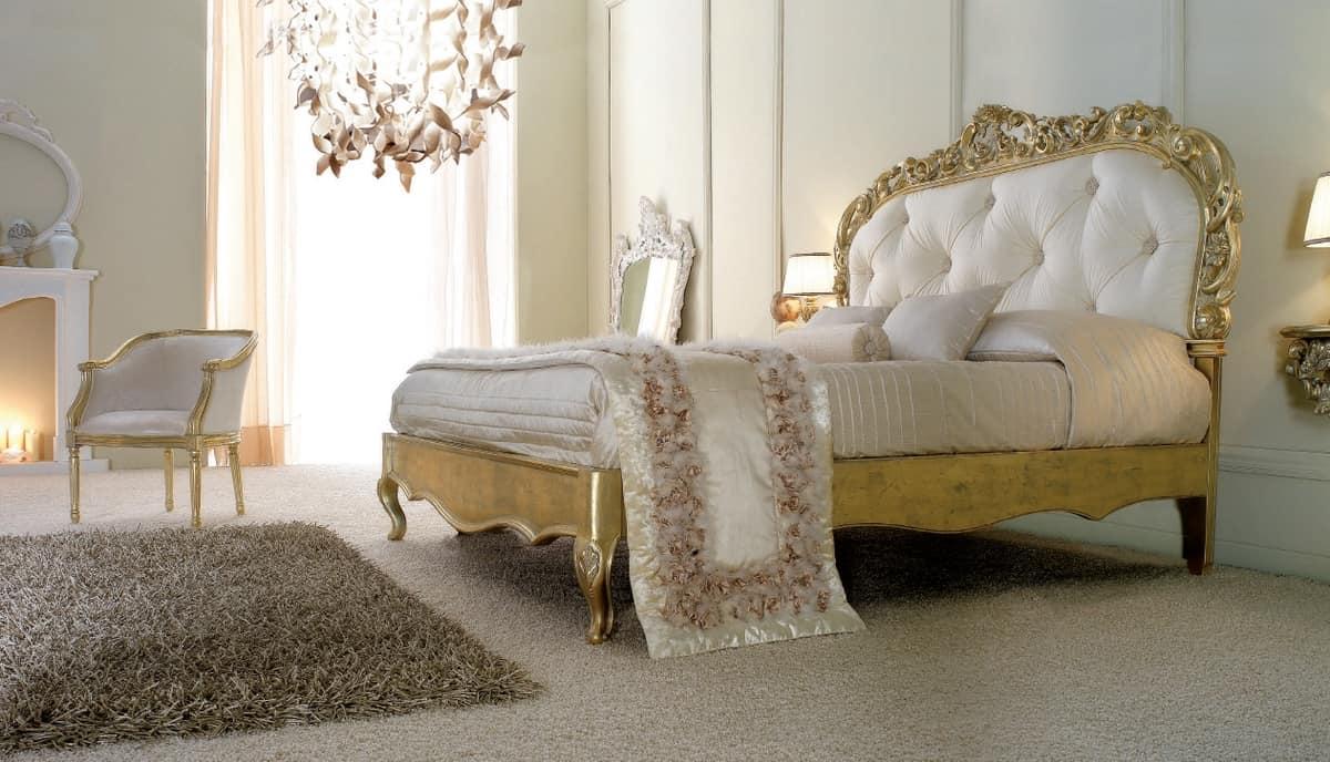 Luxuriöses Bett in Goldfinish   IDFdesign