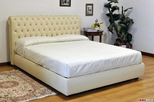 Chesterfield Bett, Das Bett mit Capitonné-Kopfteil schlechthin