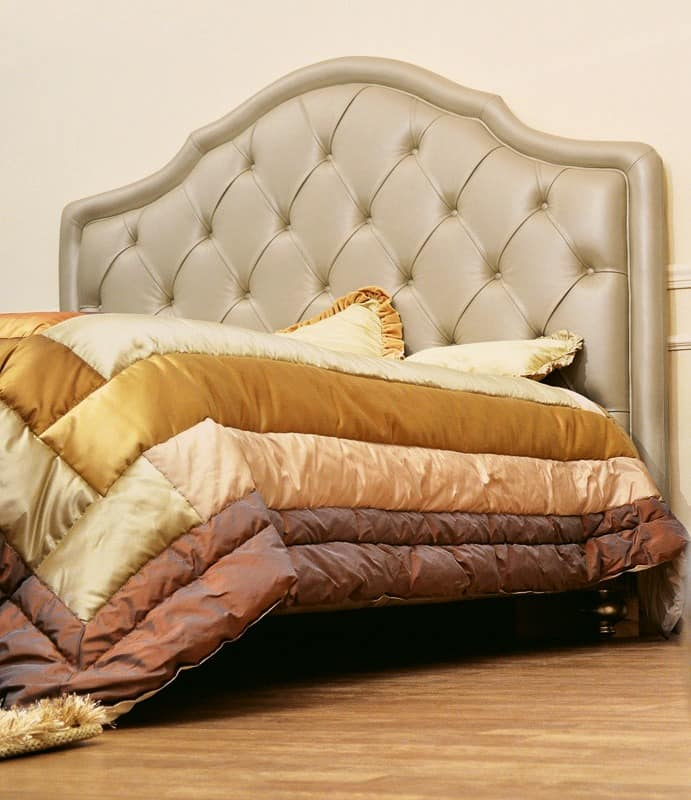 klassisches doppelbett mit gepolstertem kopfteil getuftet. Black Bedroom Furniture Sets. Home Design Ideas
