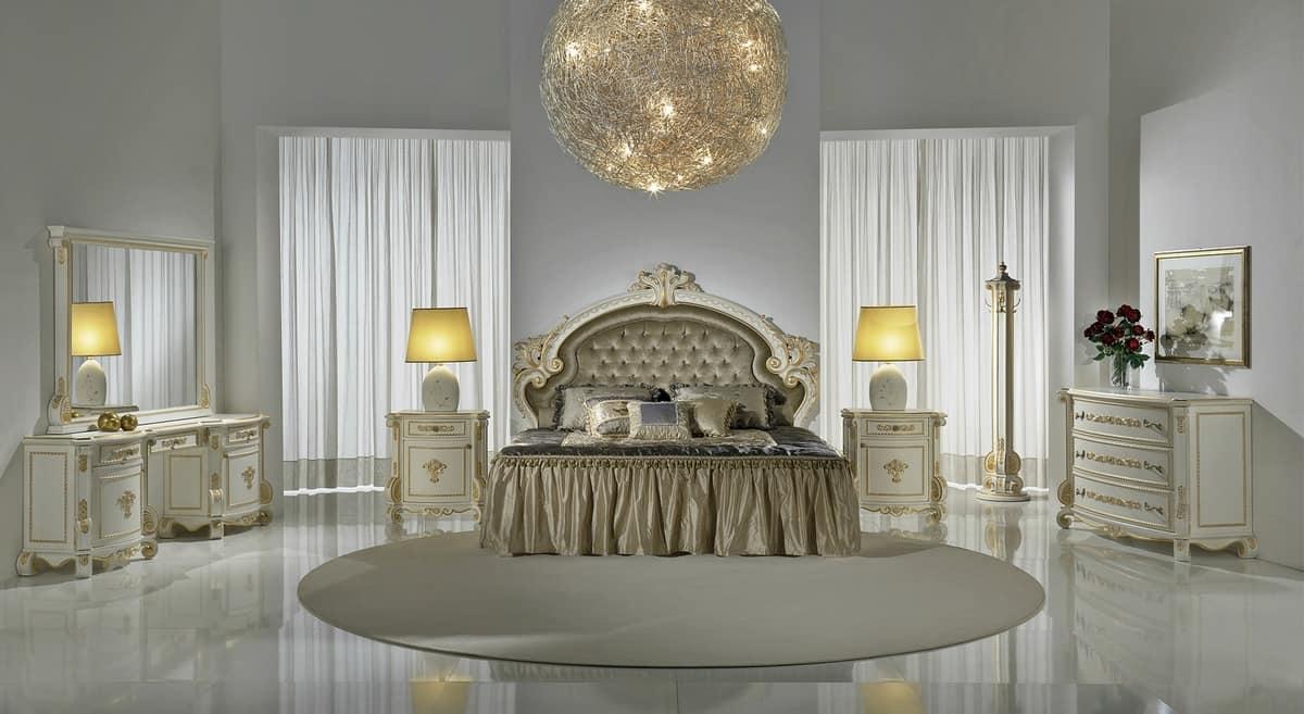Luxus klassischen Bett mit Kopfteil Tufting, geschnitzt   IDFdesign