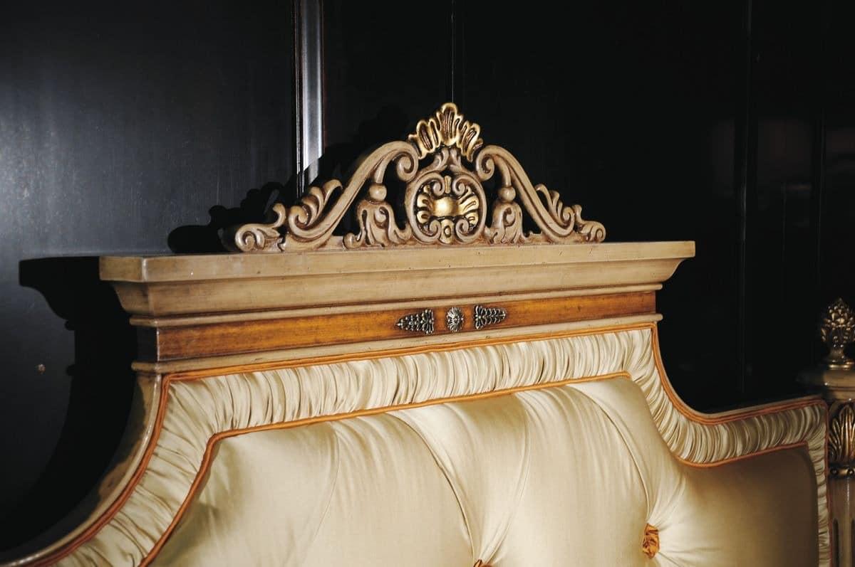 Klassischer Luxus Doppelbett mit Kopfteil getuftete ...