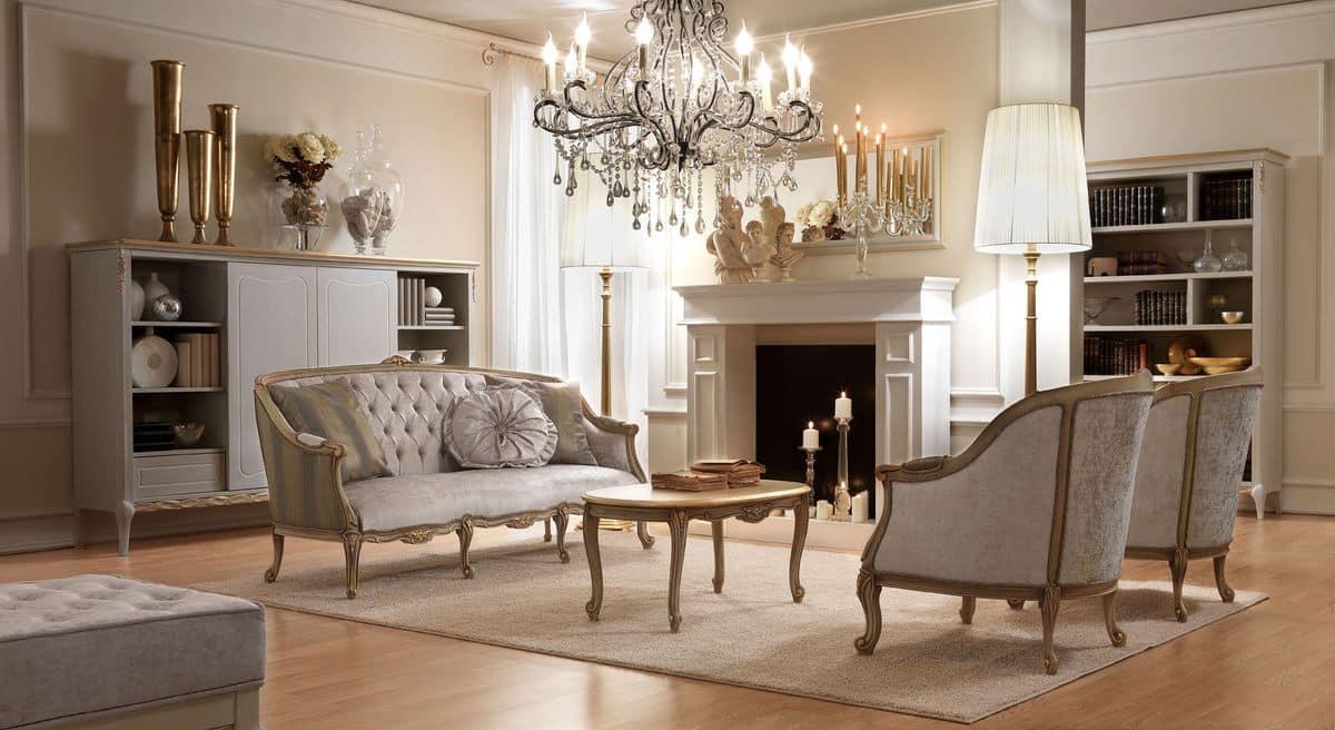 b cherregal aus holz mit handgefertigten goldende dekorationen ideal f r klassiker wohnzimmer. Black Bedroom Furniture Sets. Home Design Ideas