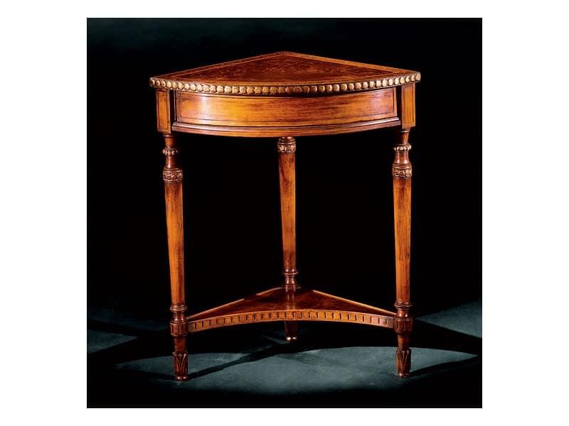 Complements side table 755, Corner Beistelltisch aus Holz geschnitzt