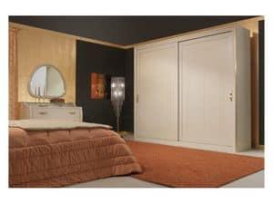 Art. 2010-I Garderobe, Kleiderschrank mit Schiebetüren, Blattgold Details