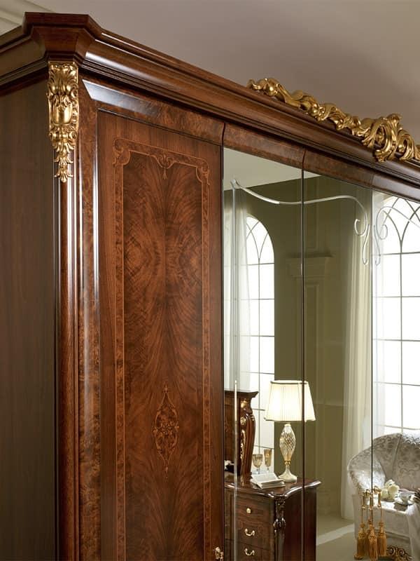 kleiderschrank mit neoklassizistischen stil handgefertigte schnitzereien und intarsien idfdesign. Black Bedroom Furniture Sets. Home Design Ideas