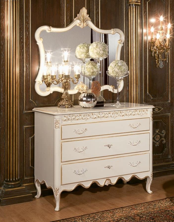 Art. 1064, Barocke Kommode, Luxus im klassischen Stil