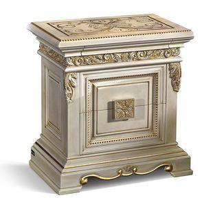 4021, Luxus Nachttisch mit Dekoration