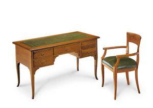 Art. 102V, Hölzerner Schreibtisch mit lederner Oberseite