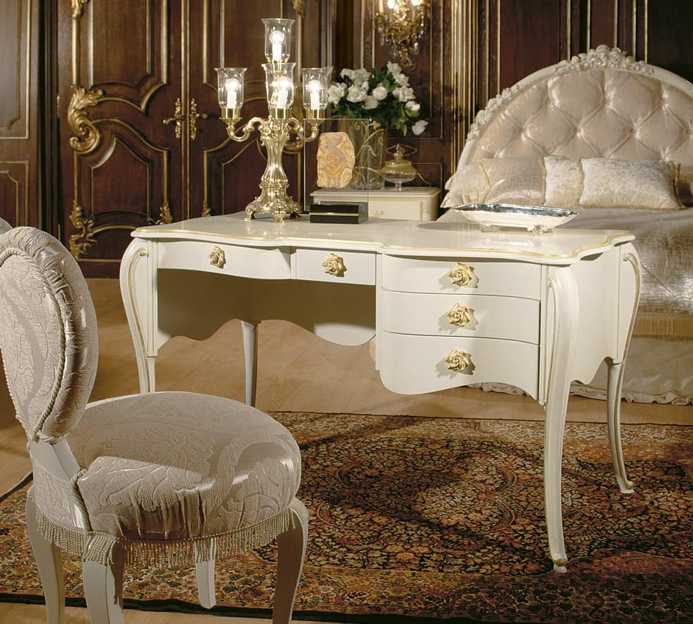 luxus schreibtisch mit gold veredelungen dec stil idfdesign. Black Bedroom Furniture Sets. Home Design Ideas