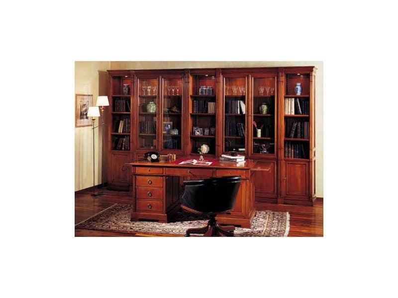 schreibtisch aus holz f r executive b ro im klassischen. Black Bedroom Furniture Sets. Home Design Ideas