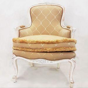 3160 SESSEL, Klassischer geschnitzter Sessel