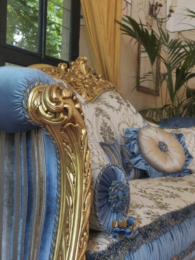 Ludovica, Luxuriöses Sofa mit edlen handgefertigten Schnitzereien