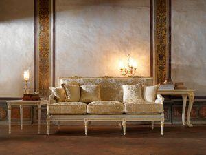 Martina Sofa, Klassisches Sofa mit raffinierter Schnitzerei