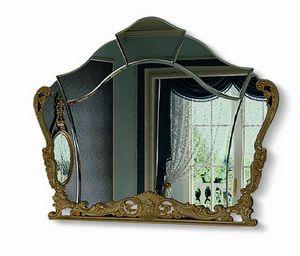 4622, Geformter Spiegel mit geschnitztem Rahmen