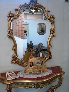 Art. 155, Spiegel mit geschnitztem Holzrahmen