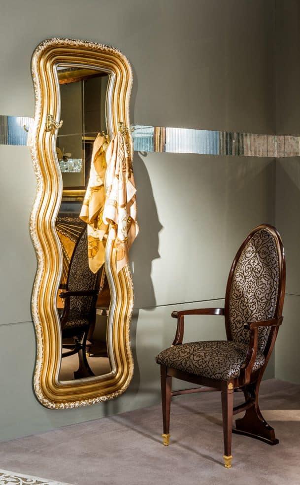spiegel und kleiderb gel f r umgebungen in klassischen. Black Bedroom Furniture Sets. Home Design Ideas
