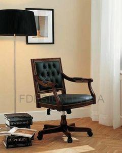 Luigi, Stuhl mit Rädern aus Holz und Leder