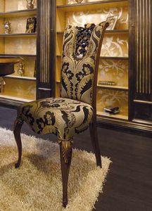 Royal Stuhl, Klassischer Esszimmerstuhl mit wertvollen Schnitzereien
