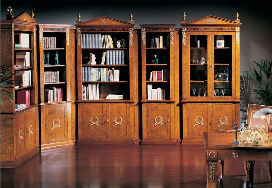 klassischer luxus b cherschrank mit glast ren. Black Bedroom Furniture Sets. Home Design Ideas