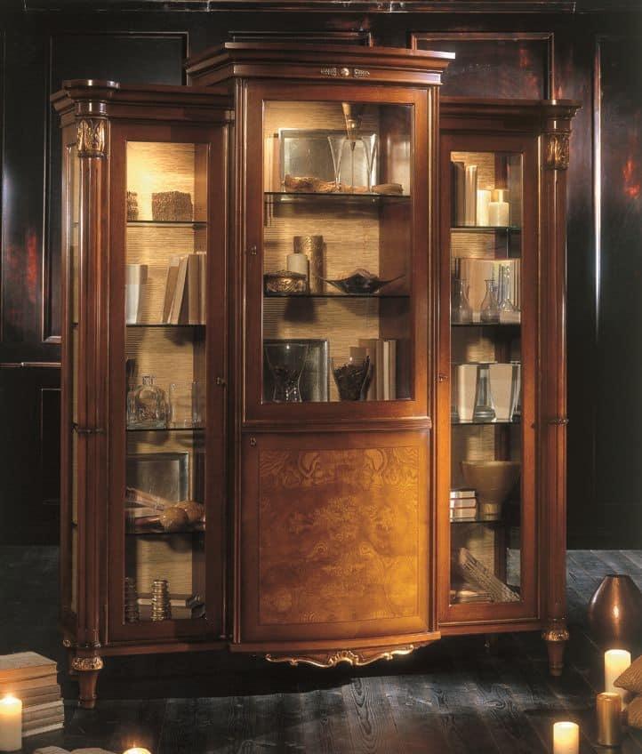 vitrine 3 glast ren und 1 zentrale holzt r furniert mit nussbaum und esche zum wohnzimmer im. Black Bedroom Furniture Sets. Home Design Ideas