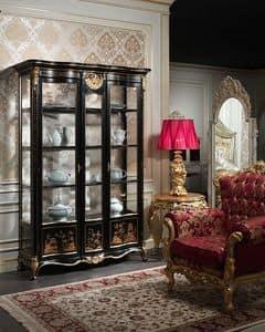 Art. 951/3 Schaukasten, Fenster im klassischen Stil, mit raffinierten Dekorationen von Hand gemacht