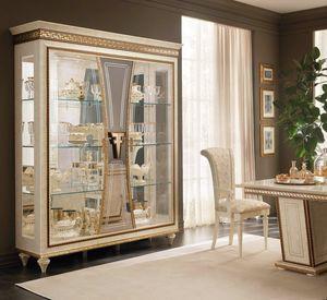 Fantasia 3 Türen Vitrine, Luxuriöse Vitrine mit handgefertigten Dekorationen