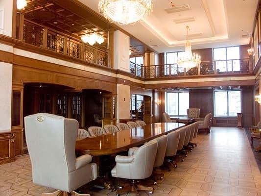 luxus klassische schreibtische boiserie tagungsraum 2. Black Bedroom Furniture Sets. Home Design Ideas