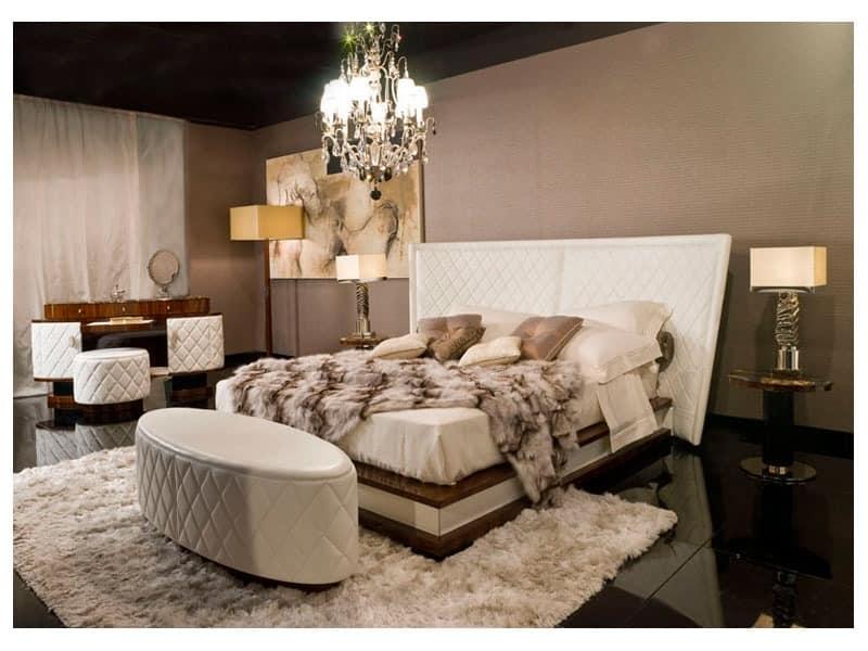 dolce vita toilette handgeschnitzte luxus beistelltische hotel schlafzimmer idfdesign. Black Bedroom Furniture Sets. Home Design Ideas