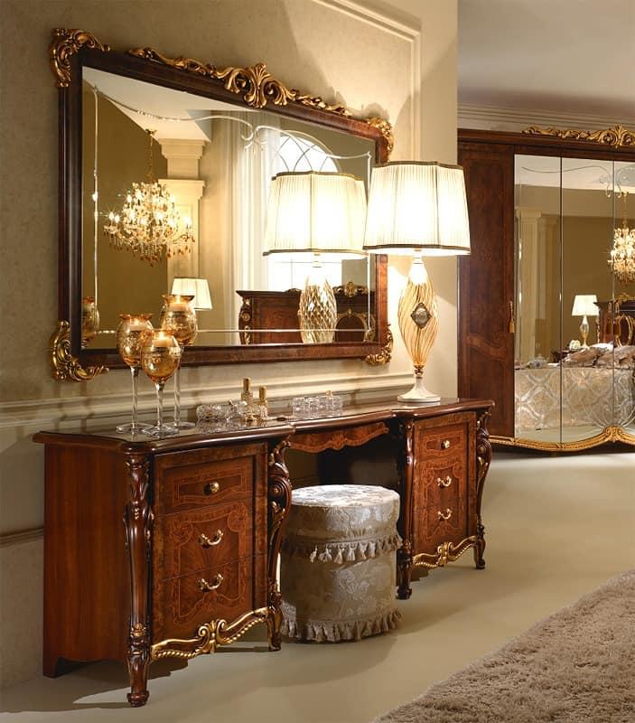 Edelholztisch dekorationen von hand von handwerksmeistern angewandt f r das esszimmer idfdesign - Mobile da toeletta moderno ...