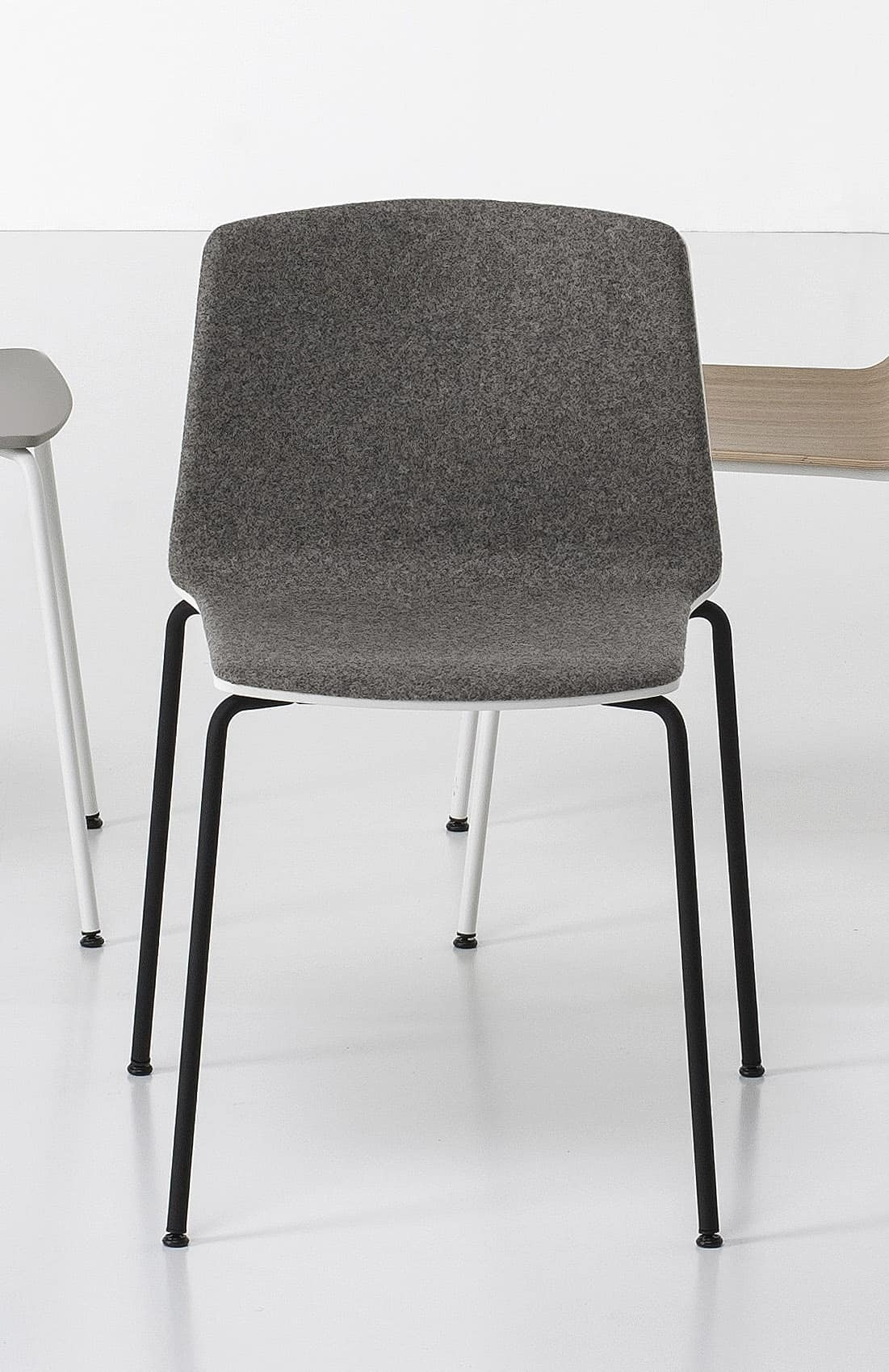 Gepolsterter Stuhl mit Stahlfuß, für Konferenz   IDFdesign