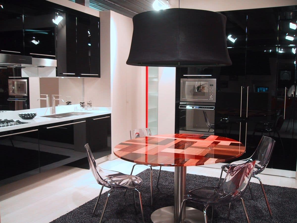 Anspruchsvolle Küche mit suspendierten eingerichtet, in ...