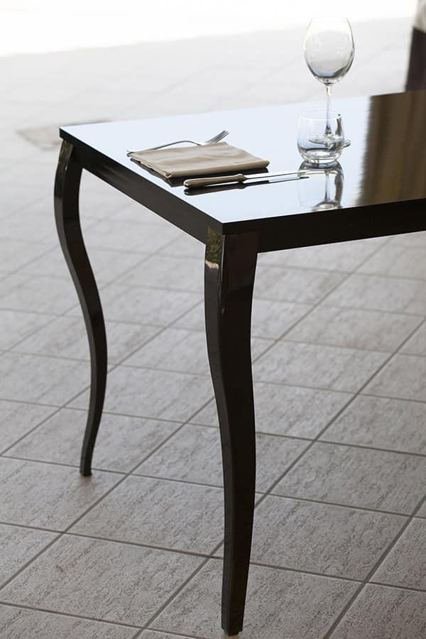 metalltisch mit platte aus laminat barock idfdesign. Black Bedroom Furniture Sets. Home Design Ideas