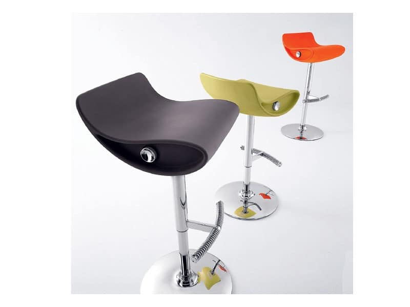 innovative barhocker h henverstellbar schwenkbar f r hotels idfdesign. Black Bedroom Furniture Sets. Home Design Ideas