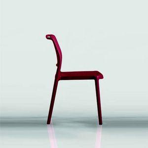 9312 Ara, Stapelbarer Stuhl aus Kunststoff