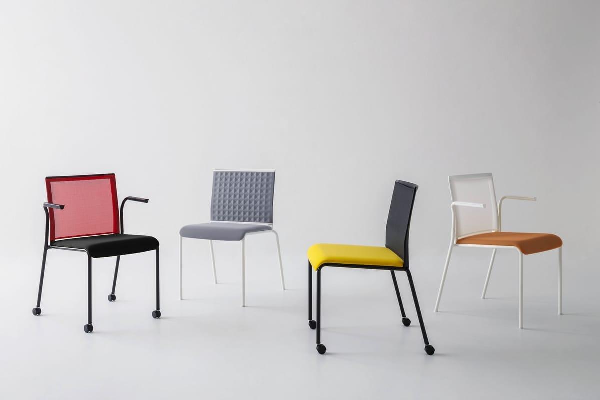Teckel B, Stuhl mit Netzrücken und Armlehnen