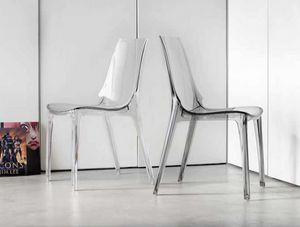 Valery, Stapelbarer Stuhl aus transparentem oder glänzendem Kunststoff