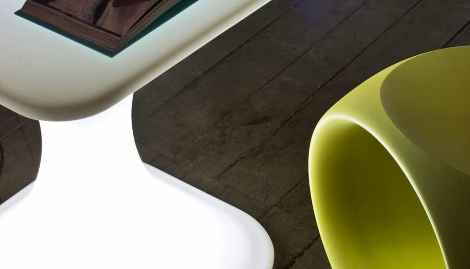 Milo, Außentisch für den Objektbereich mit Beleuchtung