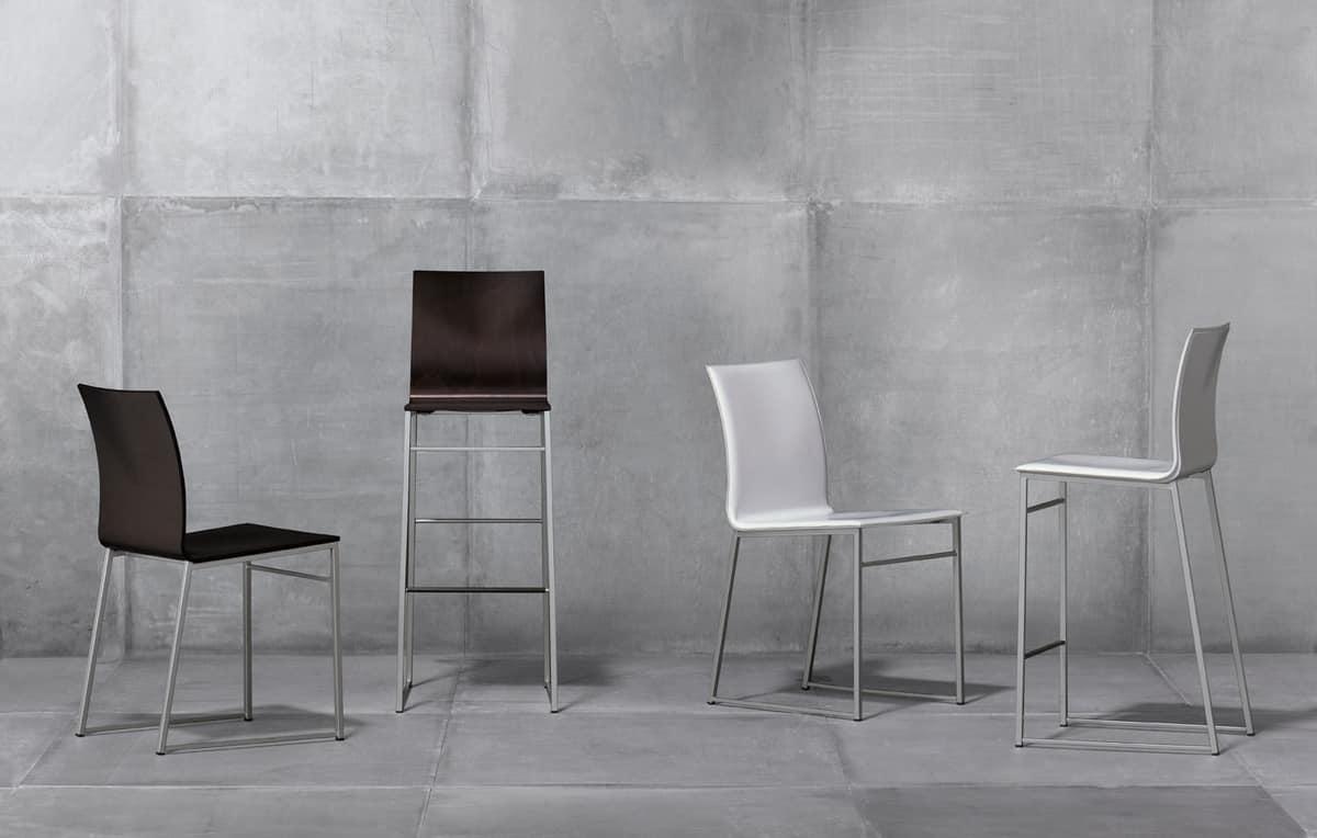metallstuhl mit sitz aus recyceltem leder idfdesign. Black Bedroom Furniture Sets. Home Design Ideas