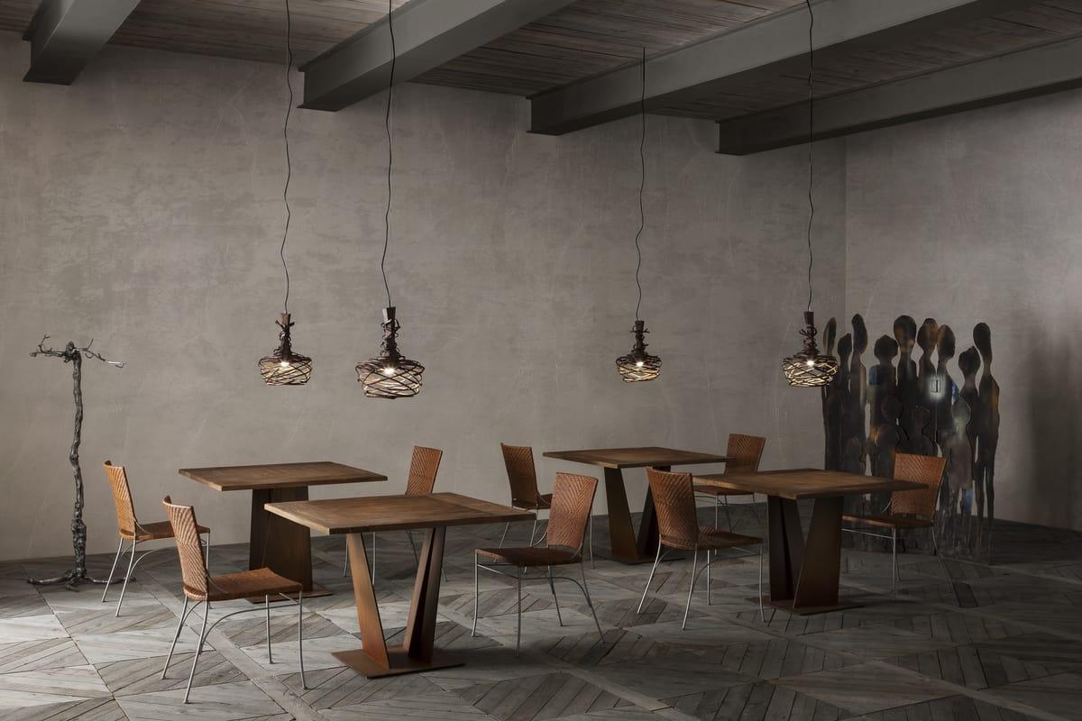 Quadratischer Tisch Mit Massivholzplatte Idfdesign