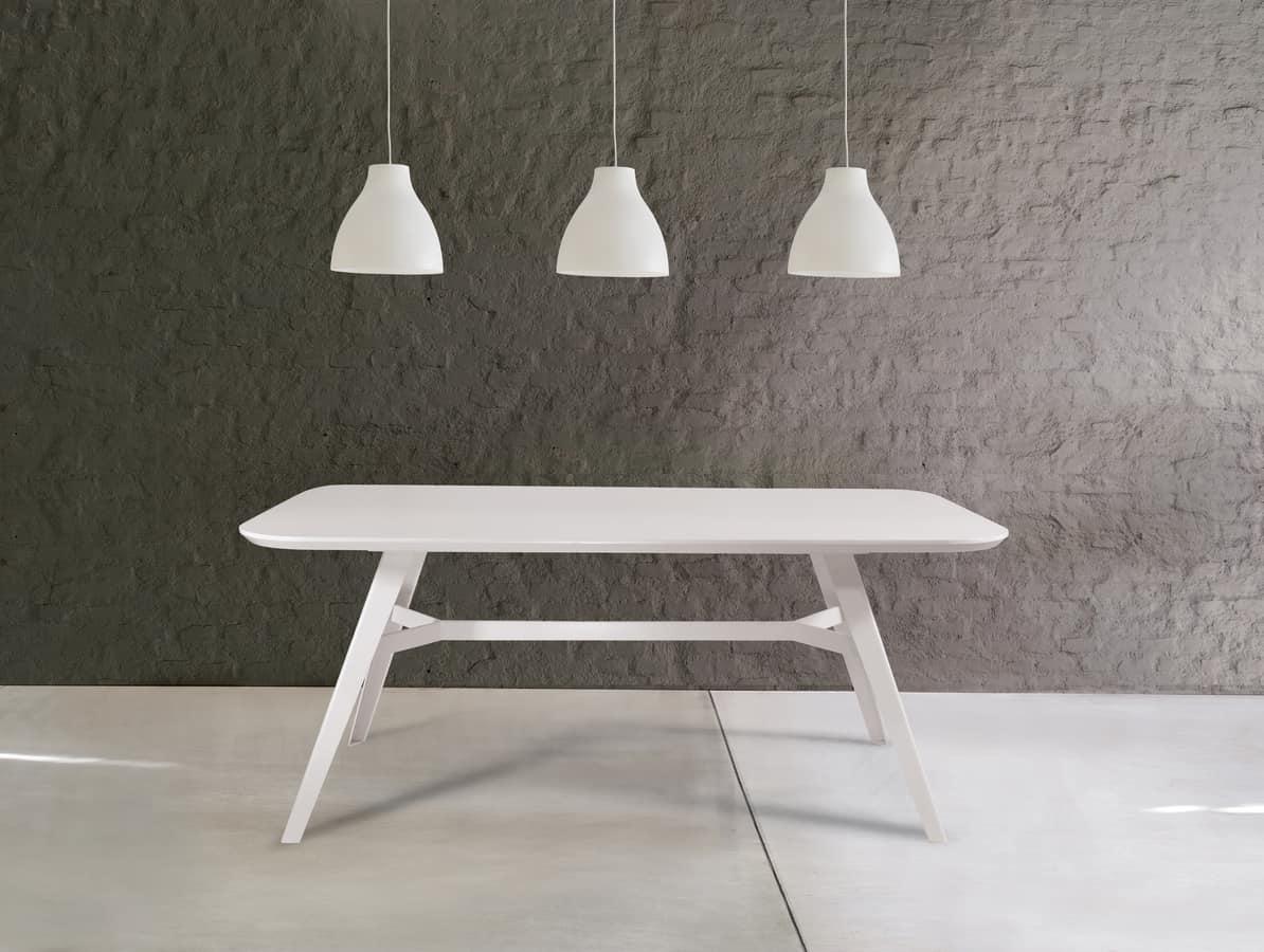 tisch mit furnierplatte metallsockel mit anschluss idfdesign. Black Bedroom Furniture Sets. Home Design Ideas