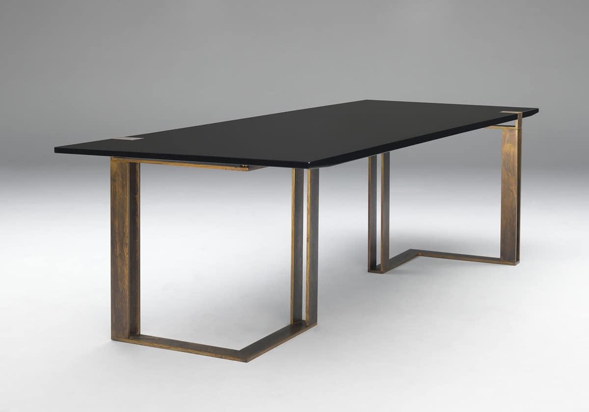 Black and gold table tisch mit klaren linien for Wohnzimmertisch gold